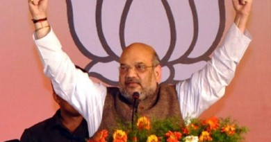 amit-shah-fires-on-kcrtrs-government