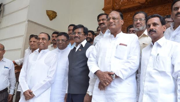 congress-leaders-to-join-trs