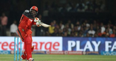 chris-gayle-becomes-first-player-to-score-10000-t20-runs