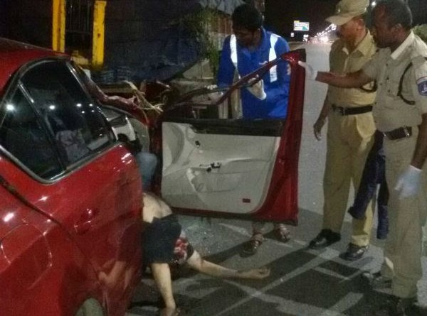 Ravi-Teja-Brother-bharath-acccident-three-more-persons-in-car
