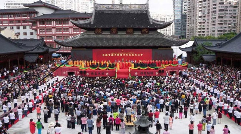 2000-tonne-buddhist-temple-hall-moved-30-metres-forward-in-china