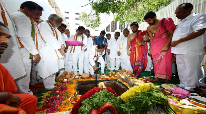 KCR-Sachivalayam