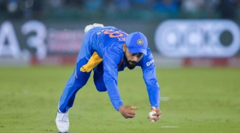 Kohli-catch-1